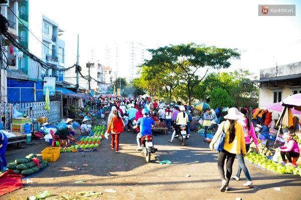 Khu chợ luôn nhộn nhịp vào mỗi buổi chiều.