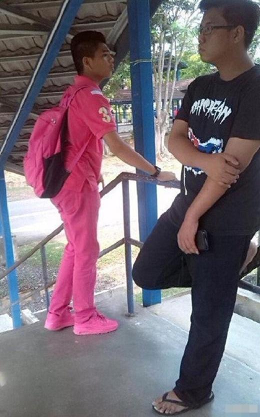 Khó tin chàng trai nghiện màu hồng hơn bất kì cô gái nào