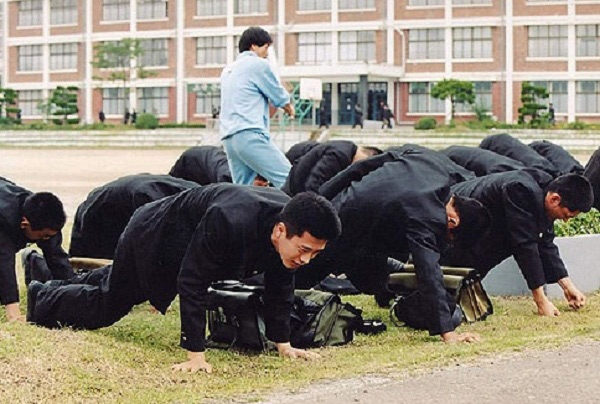 6 lý do 'tố cáo' môi trường học đường ở Hàn không đẹp như phim
