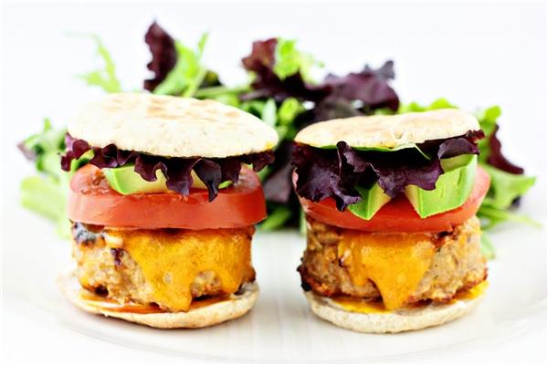 Ăn nhiều bữa giúp dạ dày tiêu hóa hiệu quả hơn. (Ảnh: Internet)