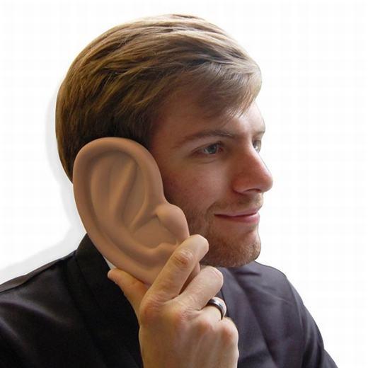 Một chiếc ốp lưng hình tai khác. (Ảnh: Internet)
