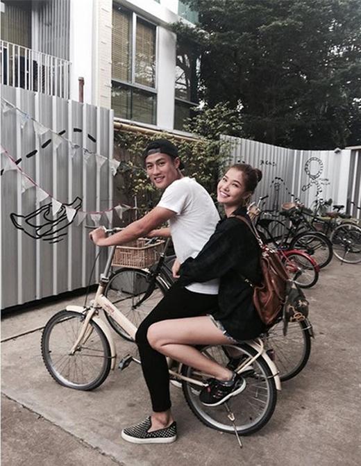 """Kỳ Hân liên tục chia sẻ những hình ảnh lãng mạn giữa hai người dù đã phải nhận khá nhiều """"búa rìu"""" dư luận. (Ảnh: Internet) - Tin sao Viet - Tin tuc sao Viet - Scandal sao Viet - Tin tuc cua Sao - Tin cua Sao"""