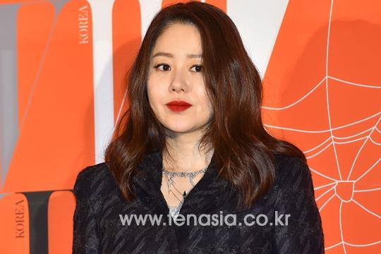Hoa hậu Hàn Quốc năm 1989, Go Hyun Jung từng khiến mọi người bất ngờ với gương mặt tăng cân đến mức báo động khiến cô mất hết đường nét thon thả trước đó.