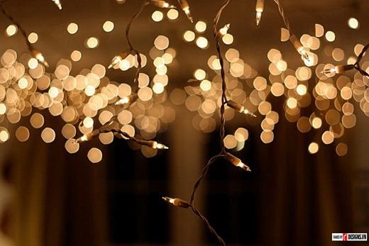 Đèn nháy có thể gây mờ mắt nếu nhìn quá lâu.(Ảnh: Internet)