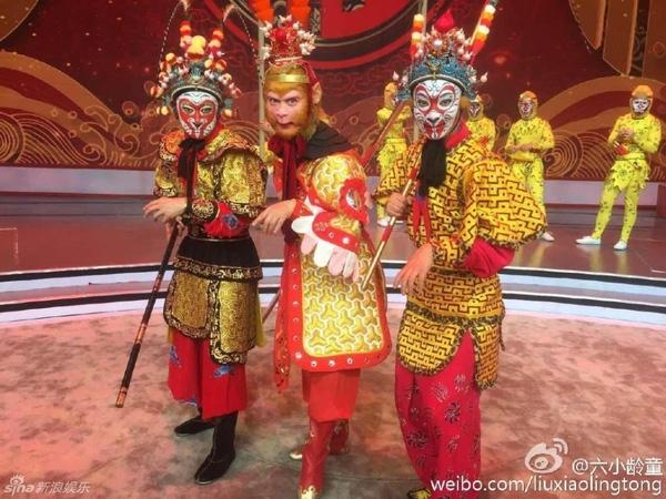 'Tôn Ngộ Không' Lục Tiểu Linh Đồng trên sân khấu