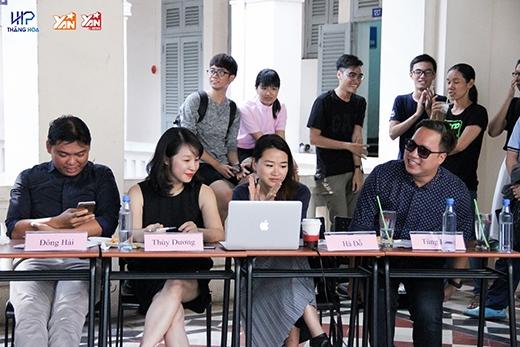 Từ trái qua: Nhiếp ảnh gia Đông Hải, chị Thuỳ Dương, chị Hà Đỗ, MC Tùng Leo.
