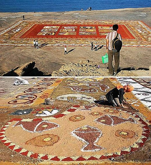 """25 nghệ sĩ Iran đã tạo rabức tranh cát dài nhất thế giới mang tên """"Thảm cát vịnh Ba Tư"""". Được biết, kích thước của nó lên tới 12.000 mét vuông, cấu thành từ 70 loại cát đầy màu sắc được lấy tại bờ biển nổi tiếngHormuz. (Ảnh: Internet)"""