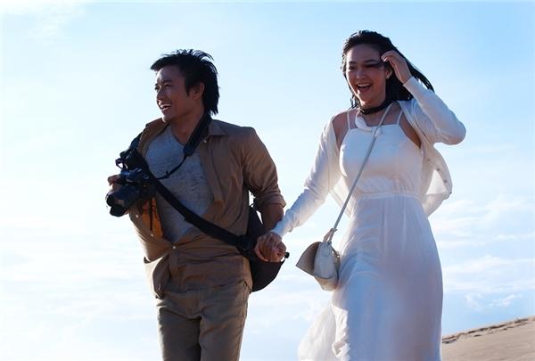 Chia sẻ với giới truyền thông, nam diễn viên Quý Bình cho biết đằng sau câu chuyện tình yêu lãng mạn là những cảnh quay vất vả từ sáng tới khuya. - Tin sao Viet - Tin tuc sao Viet - Scandal sao Viet - Tin tuc cua Sao - Tin cua Sao