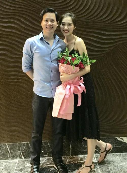 Trong ngày mừng sinh nhật thứ 25 của Thu Thảo, Trung Tín đã tổ chức một bữa tiệc vui vẻ và lãng mạn cho bạn gái tại một resort sang trọng ở Nha Trang.