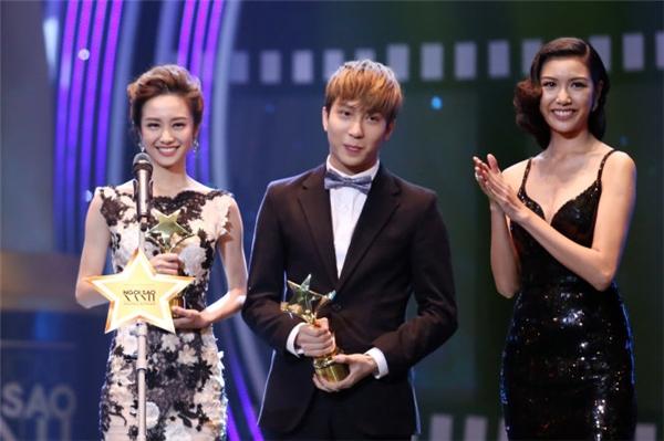 Mới đây anh chàng còn được trao tặng danh hiệuNam diễn viên xuất sắc nhất của giải Ngôi sao xanh.(Ảnh: Internet)