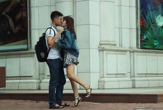 """Trào lưu """"Free To Kiss"""" đang khiến giới trẻ Việt Nam vô cùng thích thú. (Ảnh: Internet)"""