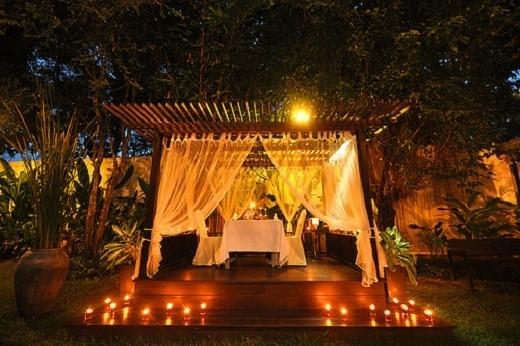 Thưởng thức bữa tối lãng mạn tại Vườn Yêu. (Ảnh: Internet)