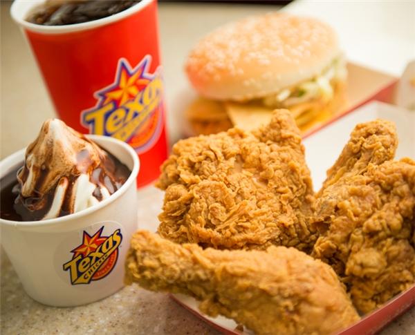 Những món ăn tại McDonald, Lotteria, KFC, Texas Chicken. (Ảnh: Internet)