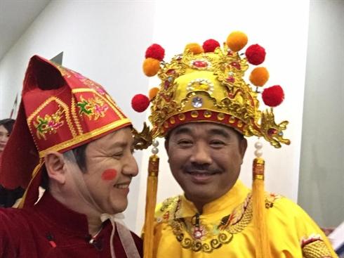 Quốc Khánh và Chí Trung là hai nghệ sĩcó cách tạo hình ít thay đổi nhất trong mỗi lần Táo Quân về chầu trời. - Tin sao Viet - Tin tuc sao Viet - Scandal sao Viet - Tin tuc cua Sao - Tin cua Sao