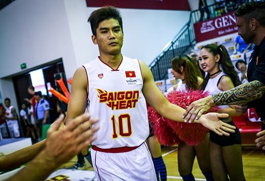 Trần Tiến Thịnh ở tuổi 24 là nội binh trẻ nhất của Saigon Heat trong mùa giải ABL 2015-2016.
