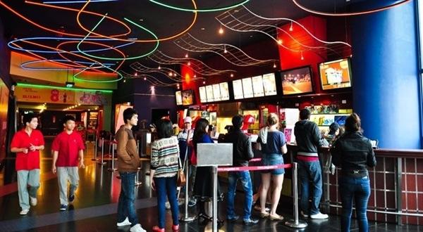 Các rạp chiếu phim vẫn mở cửa ngày Tết, bạn không cần phải lo việc không có gì để giải trí. (Ảnh: Internet)