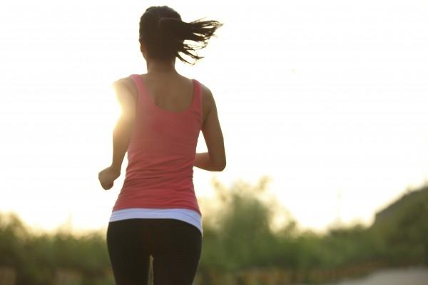 Chạy bộ. (Ảnh: Internet)  Thể dục nhịp điệu. (Ảnh: Internet)  Yoga. (Ảnh: Internet)