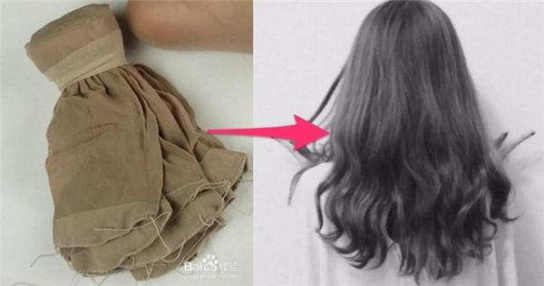 Uốn tóc bằng vớ da không làm tóc hư tổn. (Ảnh: Internet)