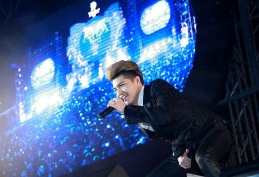 Sao Việt cuồng nhiệt trong đêm Đại nhạc hội tại TP. HCM - Tin sao Viet - Tin tuc sao Viet - Scandal sao Viet - Tin tuc cua Sao - Tin cua Sao
