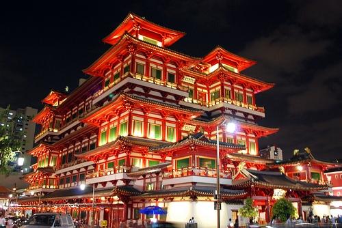 Đền thờ Phật Nha Tự là một công trình tưởng niệm tọa lạc tại khu Chinatown.(Ảnh: Internet)