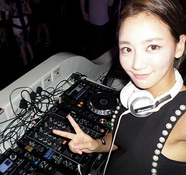Nữ DJ Miu Kim sở hữu khuôn mặt xinh xắn.