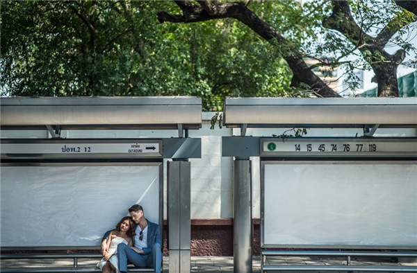 ... trạm xe buýt ở Silom...(Ảnh: SanitNitigultanon)