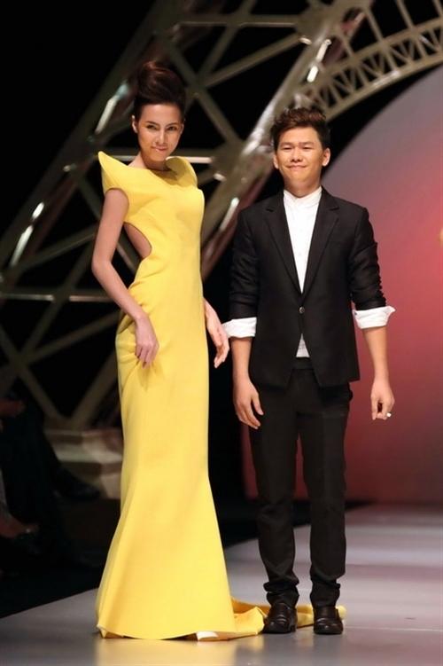 Hoàng Minh Hà được xem làthành công đầu tiên mà chương trình mang đến cho làng thời trang Việt.