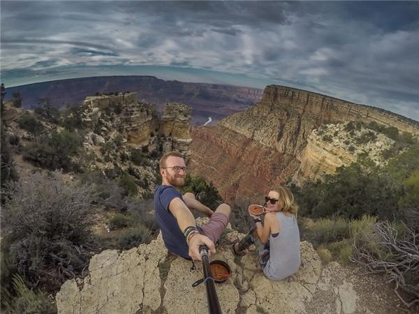 Ăn tối trên đỉnh Grand Canyon.