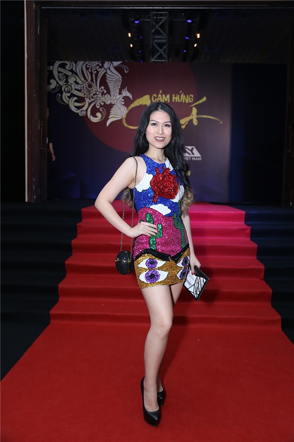 Ngọc Thanh Tâm gợi cảm với váy bó sát nhiều màu sắc. - Tin sao Viet - Tin tuc sao Viet - Scandal sao Viet - Tin tuc cua Sao - Tin cua Sao