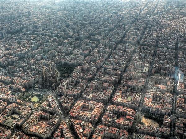 Nhìn từ trên cao, bạn có thấy nhà thờ ở đâu không? (Ảnh: Aldas Kirvaitis)