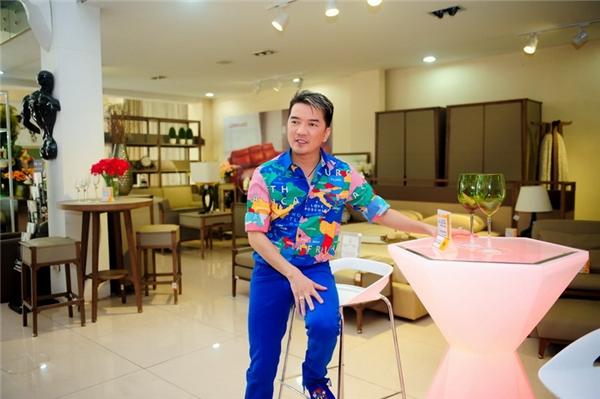 Nổi tiếng là một trong những nghệ sĩ chịu chi nhất nhì showbiz Việt, Đàm Vĩnh Hưng đã khiến nhiều người phải choáng ngộp trước khối tài sản khổng lồ mà anh đang sở hữu. - Tin sao Viet - Tin tuc sao Viet - Scandal sao Viet - Tin tuc cua Sao - Tin cua Sao