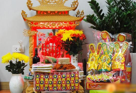 Một bàn thờ được chuẩn bị để cúng tiễn ông Táo. (Ảnh: Internet)