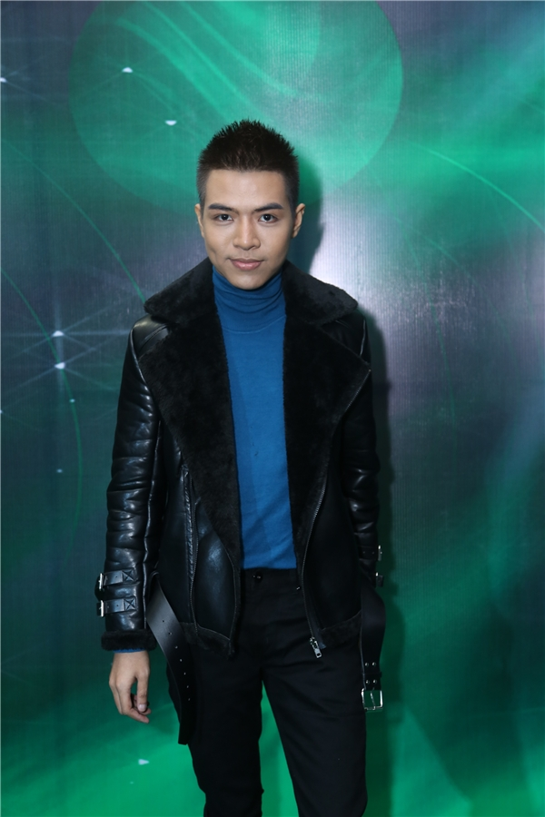 Nhạc sĩ ĐỗHiếu cực phong cách với áo jacketda nam tính. - Tin sao Viet - Tin tuc sao Viet - Scandal sao Viet - Tin tuc cua Sao - Tin cua Sao
