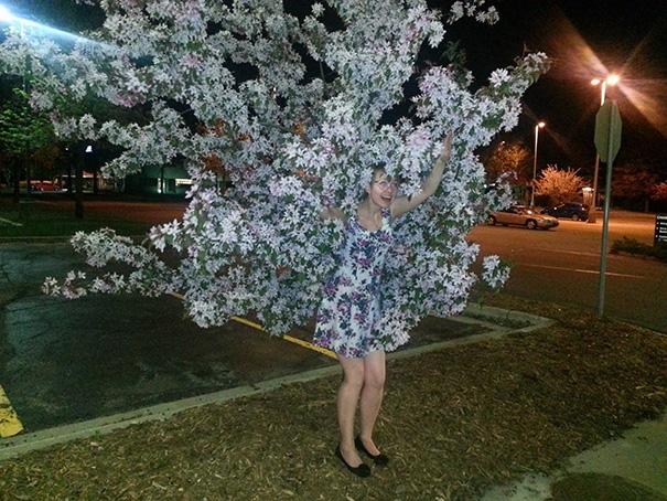 Nàng là... cây bông gì, hỡi nàng con gái kia ơi?