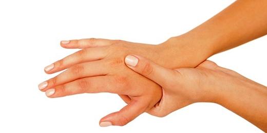 Đôi bàn tay tê rần sẽ không cản trở cuộc sống hàng ngày của bạn nữa.(Ảnh: Enki Village)