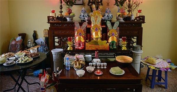 Ảnh minh họa bàn thờ cúng ông Táo tại một gia đình. Ảnh: HNM