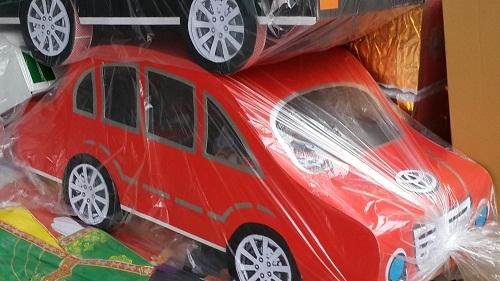 Đại gia chi cả trăm triệu đồng mua siêu xe đưa ông Táo về trời