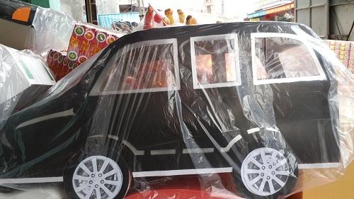Các loại siêu xe để đưa ông Táo về trời. Ảnh: Internet
