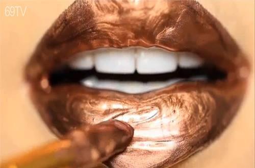 Chết mê với các kiểu son môi đầy quyến rũ