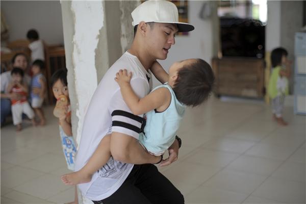Ông bố trẻmuốn tận dụng mọi khả năng để làm những việc có ích cho cộng đồng. - Tin sao Viet - Tin tuc sao Viet - Scandal sao Viet - Tin tuc cua Sao - Tin cua Sao