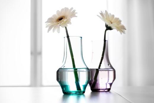 Một bông hoa đơn giản hay cả một bình hoa cầu kì cũng có thể làm thay đổi không gian và tâm trạng của bạn nữa đấy. Thổi chút không khí tươi mới của mùa xuân vào cho không gian sống nào.(Ảnh: Internet)