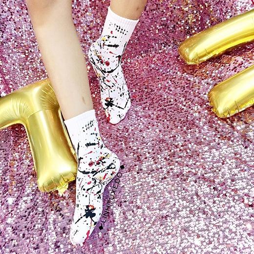 Những chiếc tất xinh xắn không thể thiếu cho những đôi giày cực chất.