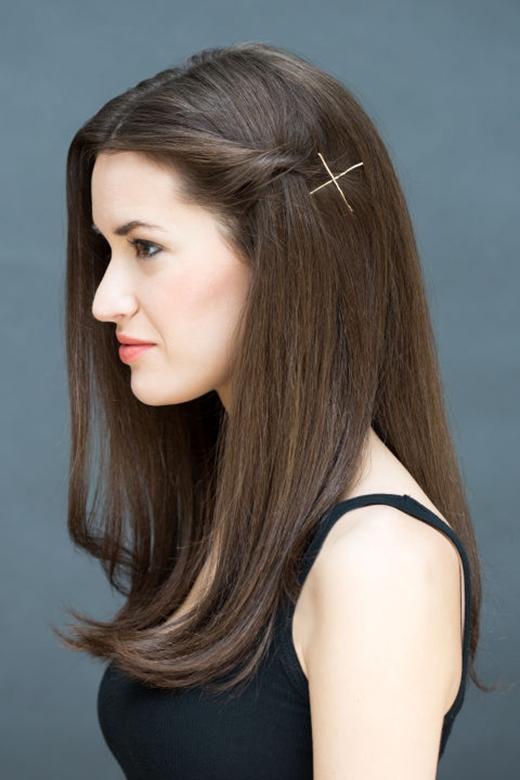 Mái tóc xõa của bạn sẽ bớt đơn điệu và nhàm chán hơn. (Ảnh: Stephanie Stanley)