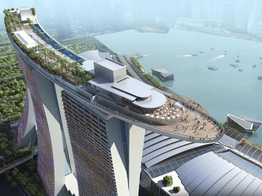 Có một bể bơi khổng lồ cao gần 200m,trải dài trên 3 tòa nhà chọc trời tại Singapoređem tới một sức hút khó cưỡng cho du khách. (Ảnh: Internet)