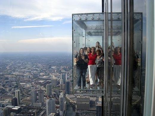 Điểm thu hút chính của tòa tháp này chính là cảnh quan ngoạn mục nhìn từ tầng 88. (Ảnh: Internet)