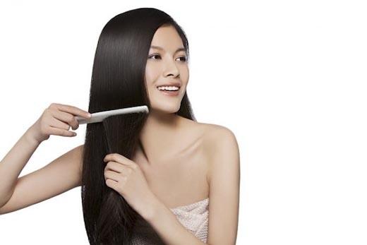 Tích cực dùng hỗn hợp trong 2 tuần sẽ giúp da đầu bạn sạch gàu và hết ngứa.(Ảnh: Internet)