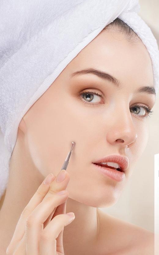 Phương pháp này khá phổ biến, nhưng lại dễ gây tổn thương da.(Ảnh: Internet)
