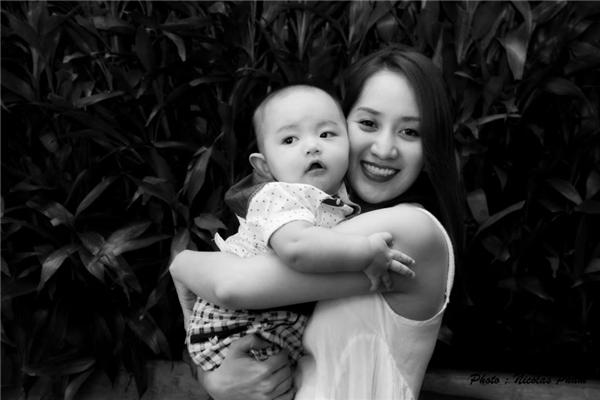 Sau hơn 6 tháng sinh con,Khánh Thi hiện đã trở lại với công việc. Cô đang đảm nhận vai trò giám khảo trong chương trình truyền hình được yêu thích -Vip Dance 2016. - Tin sao Viet - Tin tuc sao Viet - Scandal sao Viet - Tin tuc cua Sao - Tin cua Sao
