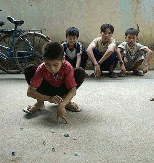 Bạn đã từng có một thời tuổi thơ dữ dội như thế này?