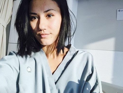 Hình ảnh Zahra dần hồi phục trong bệnh viện.(Ảnh: Internet)